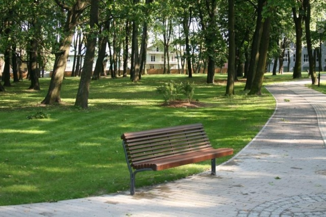 euroform w - urban furniture - park bench wood - seating - Contour 325/22