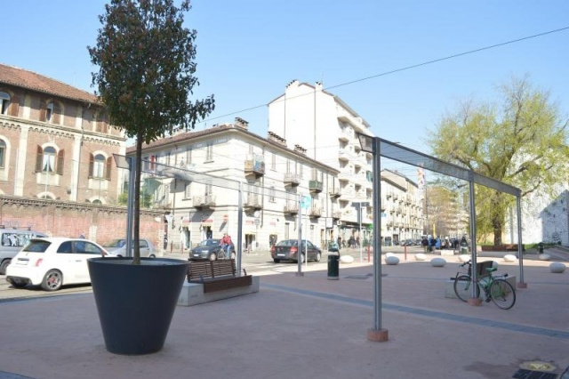 euroform w - street furniture - giant planter in the city - big planter for public spaces