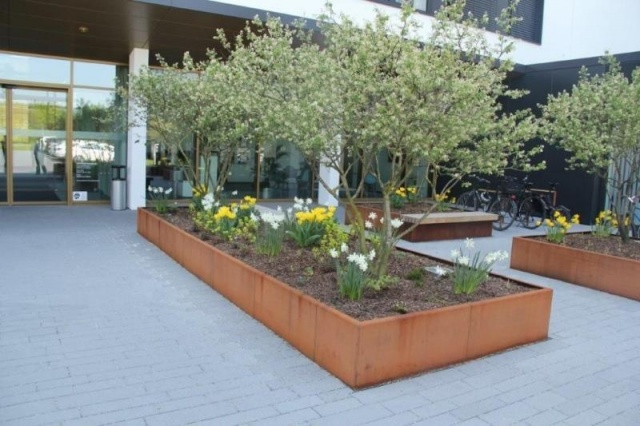 euroform w - urban furniture - Big Planter - bench - seating