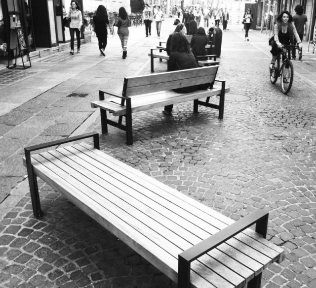 euroform w - urban furniture - seating wood - Lineaflex - park bench wood