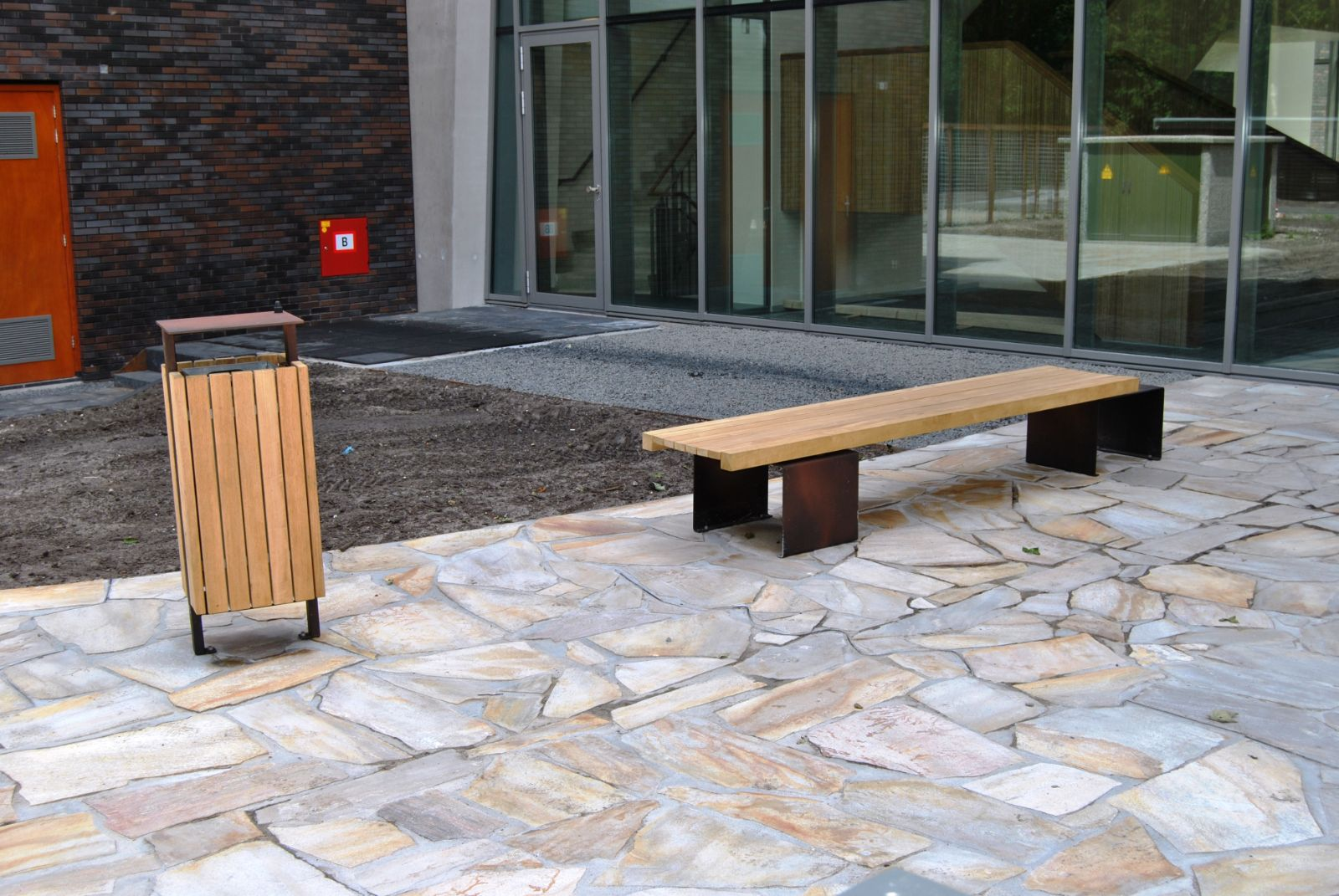 euroform w - urban furniture - park bench - seating wood - Linea 387