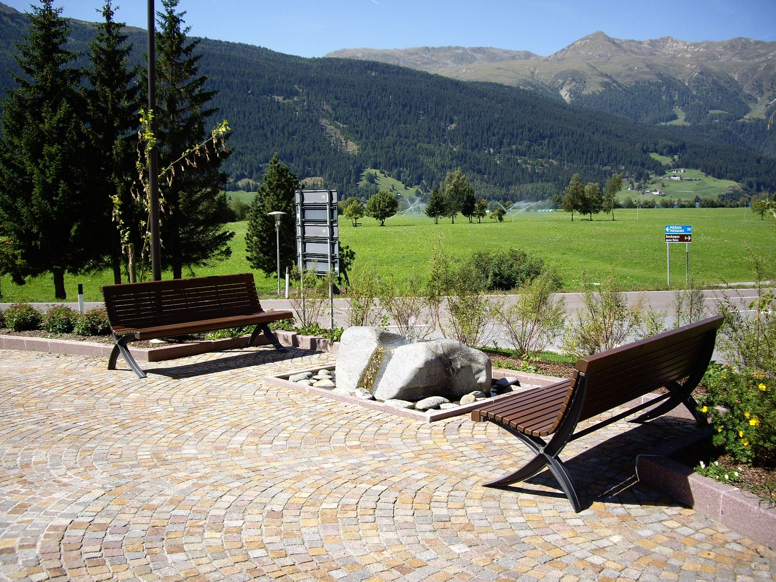 euroform w - urban furniture - park bench wood - seating - Palazzo