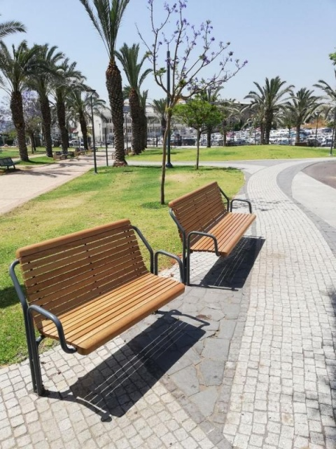 euroform w - urban furniture - park bench wood - seating - Contour Senior