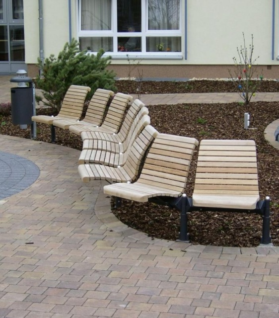 euroform w - urban furniture - park bench wood - seating - Domino - modular seating