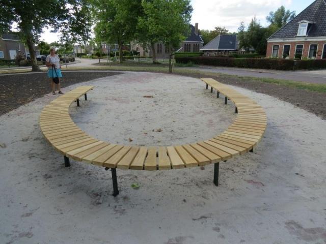 euroform w - urban furniture - park bench wood - seating - Block 99 FU - round bench