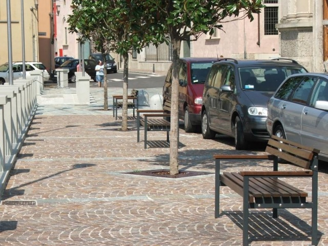 euroform w - urban furniture - park bench wood - seating - Quattro