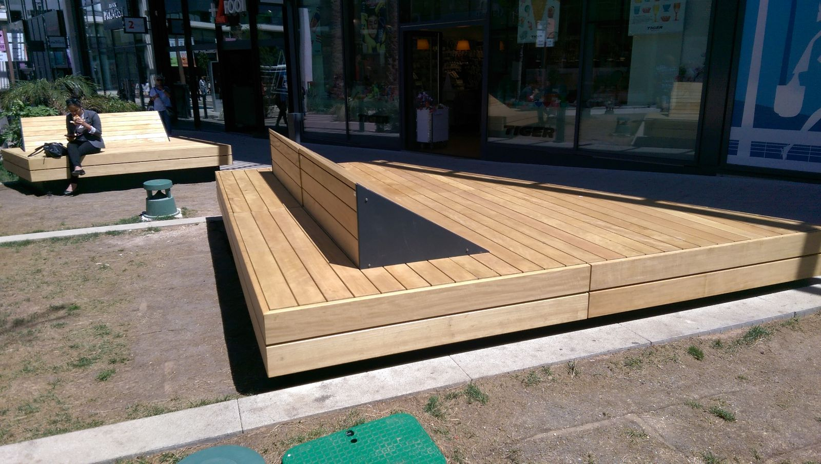 euroform w - urban furniture - park bench wood - seating - modular bench