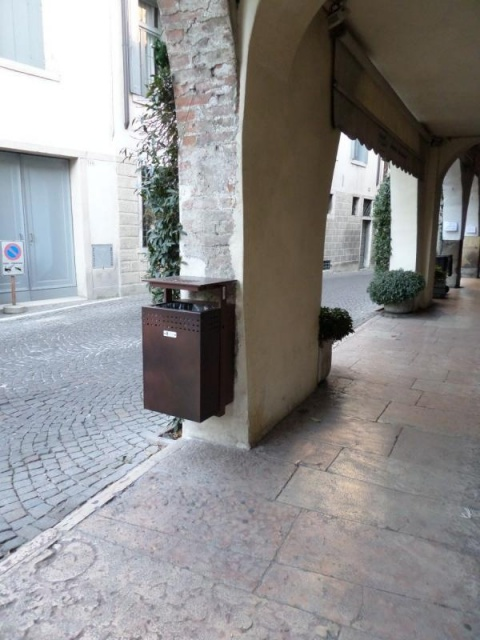 euroform w - urban furniture - litter bin - ashtray - waste separation - Lineacestino
