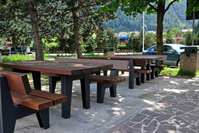 euroform w - urban furniture - benches wood - pic nic table - Block 90