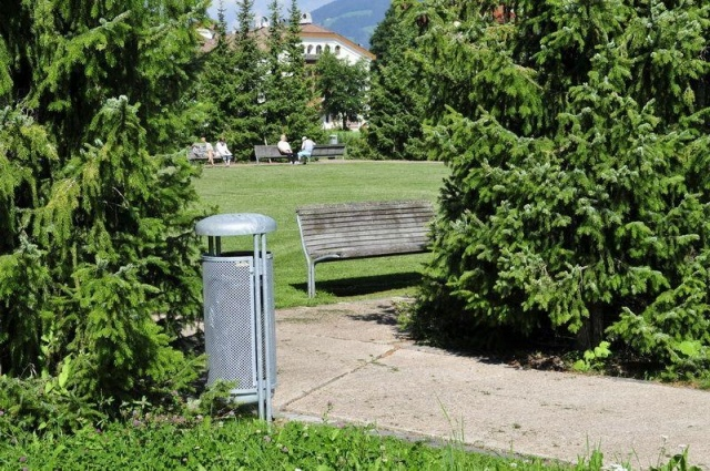euroform w - urban furniture - litter bin - ashtray - Contour
