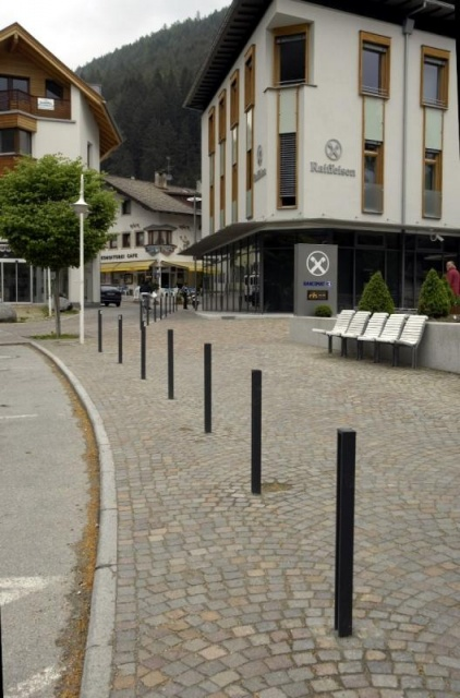 euroform w - urban furniture - bike racks - bollards - barriers - Lineapalo