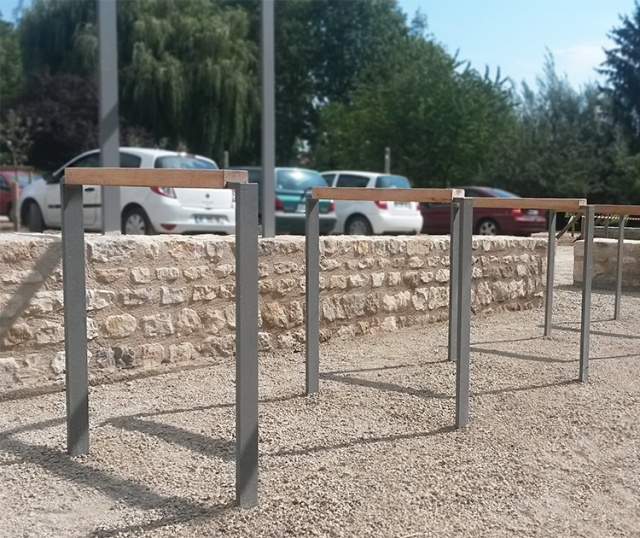 euroform w - urban furniture - bike racks - bollards - barriers - Lineasosta
