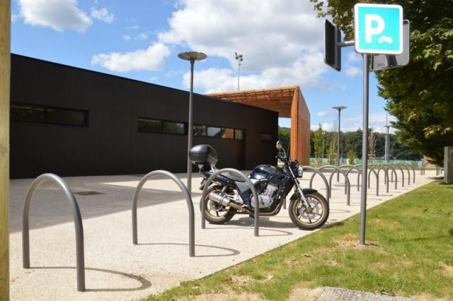 euroform w - urban furniture - bike racks - bollards - barriers - Arco