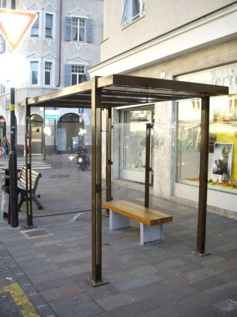 euroform w - urban furniture - bus shelters - shades - Lineabus