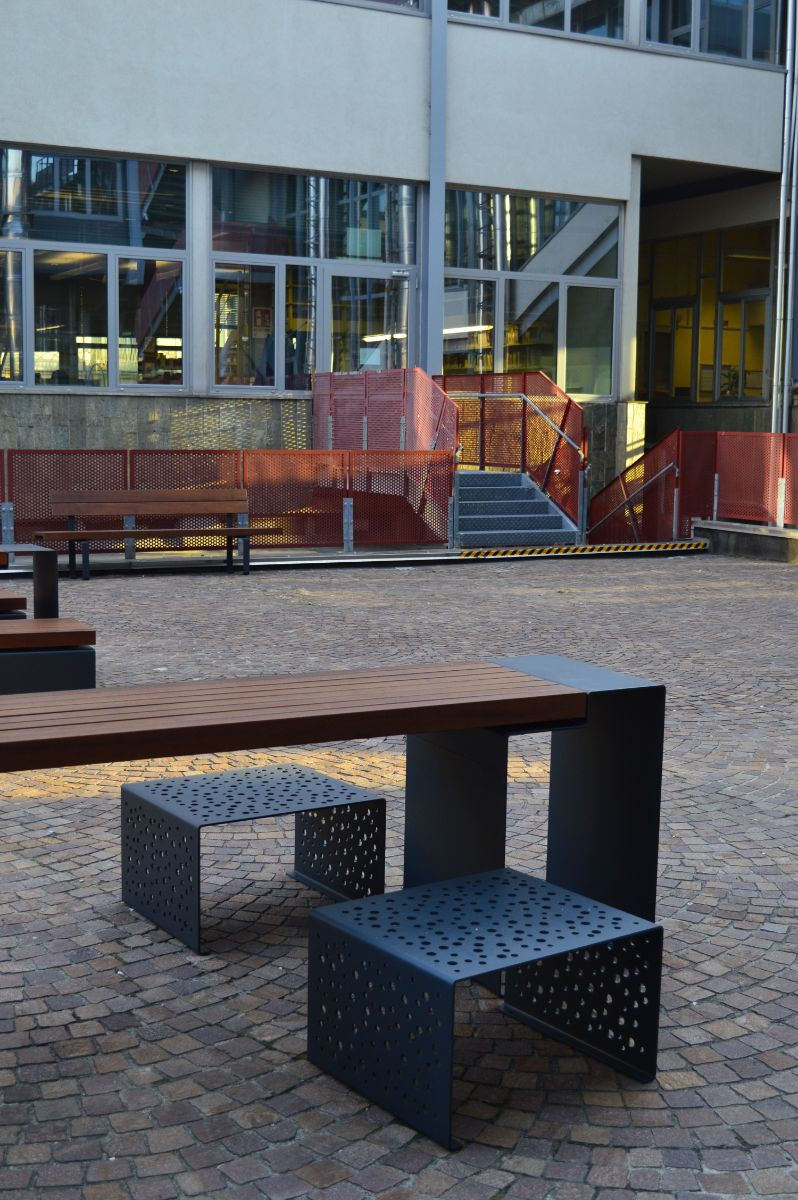euroform w - urban furniture - benches - seatings - customized - Linea