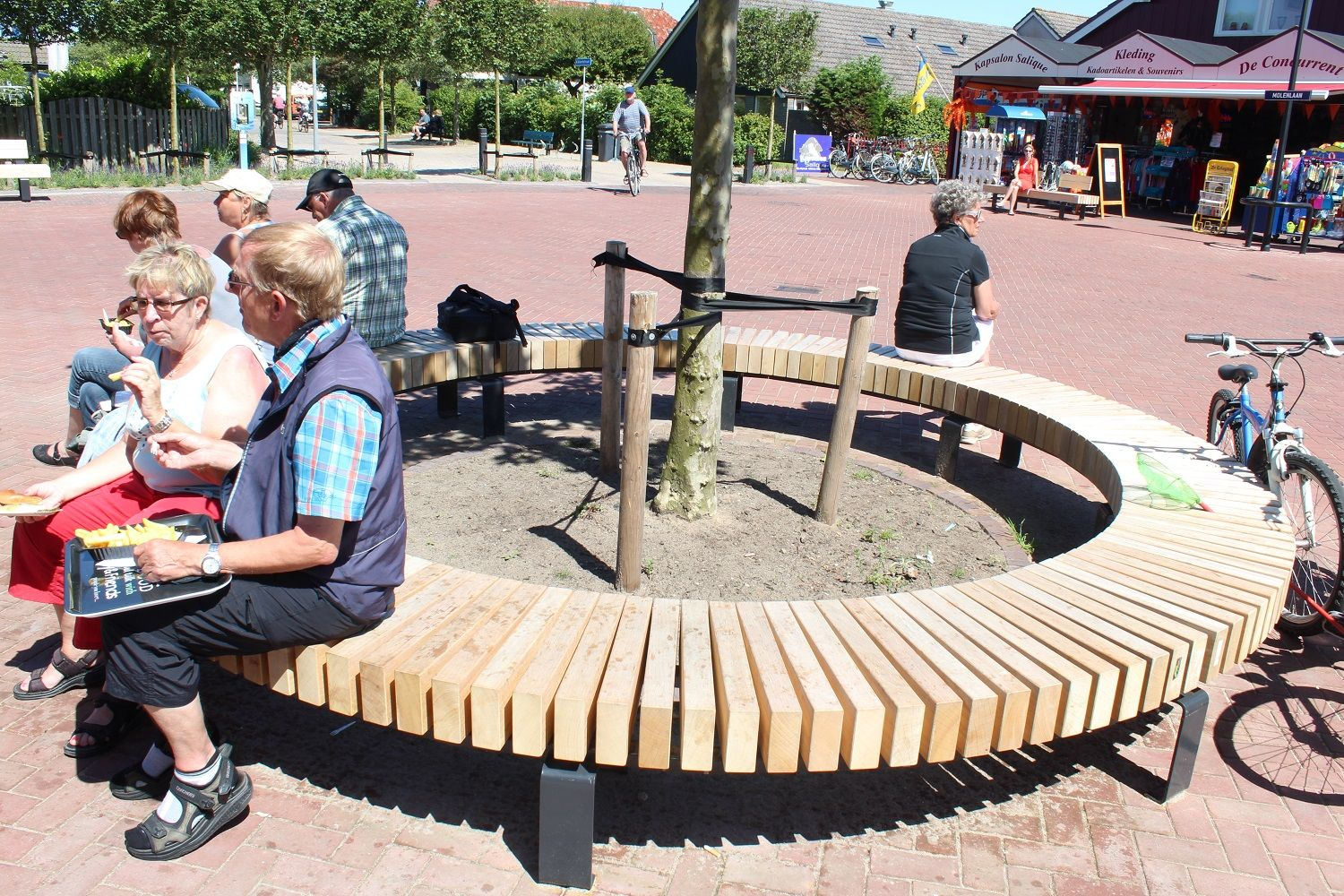 euroform w - urban furniture - benches - seatings - customized - round bench