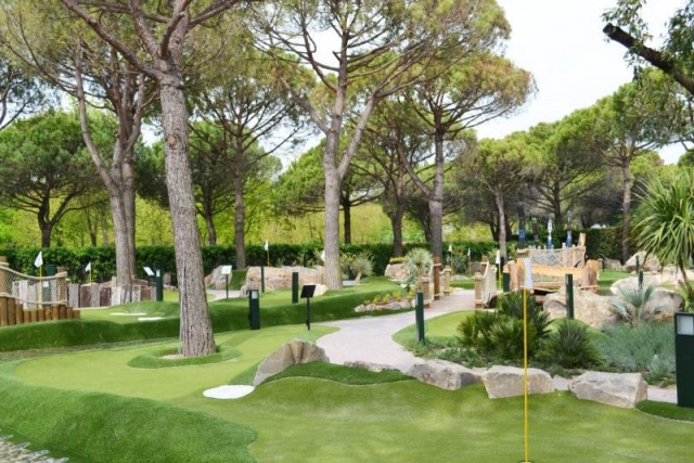 euroform w - City Golf Europe - mini golf - adventure golf
